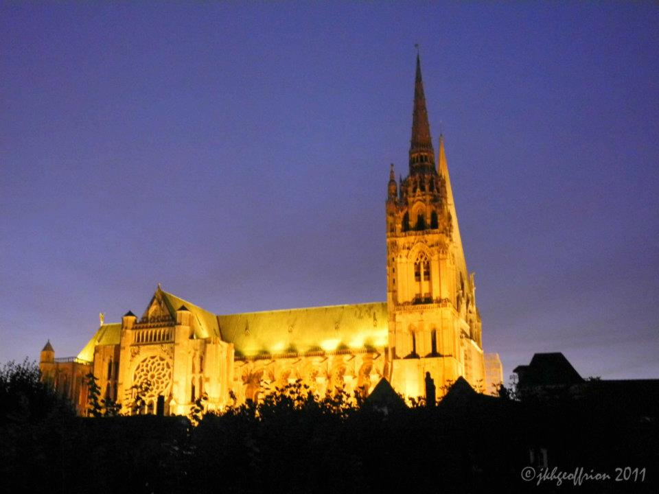 chartres cathedral essays